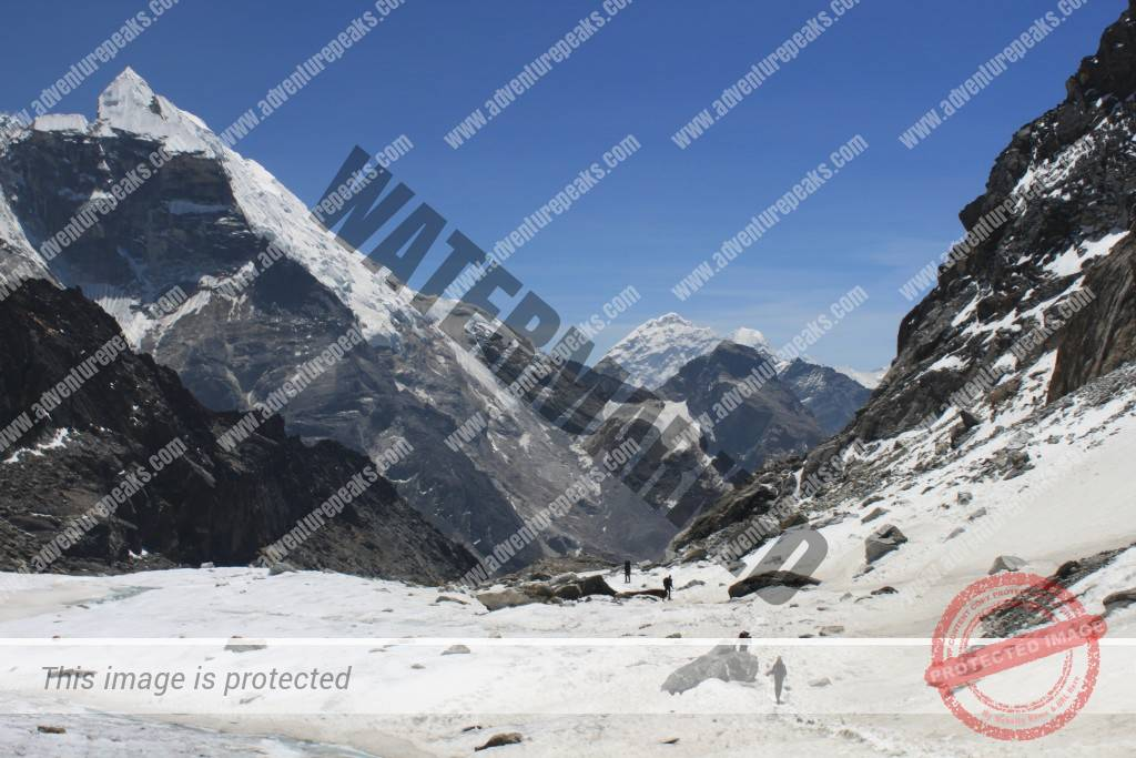 Lobuche-from-Cho-La-pass-3-AC