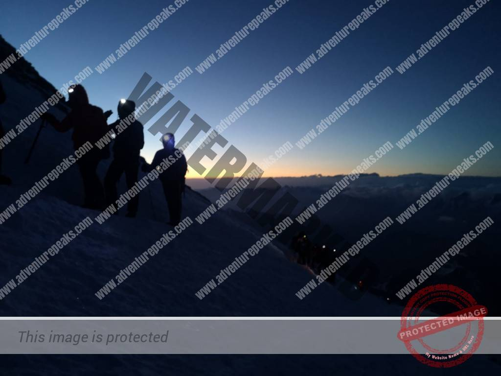11 Elbrus summit night