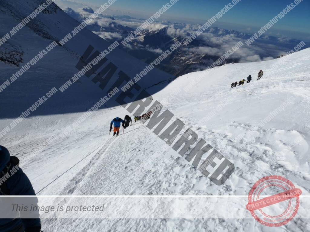 18 Elbrus summit fixed lines